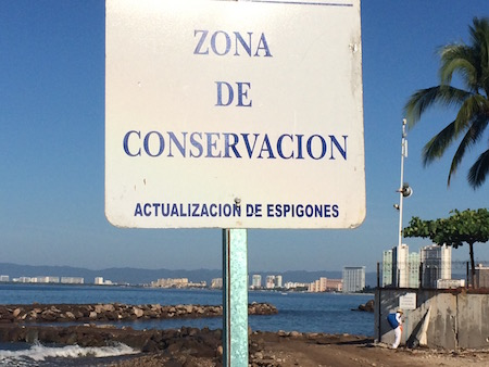 This beach an Ecological Zone had recycled bins. unfortunately the beach was littered with trash